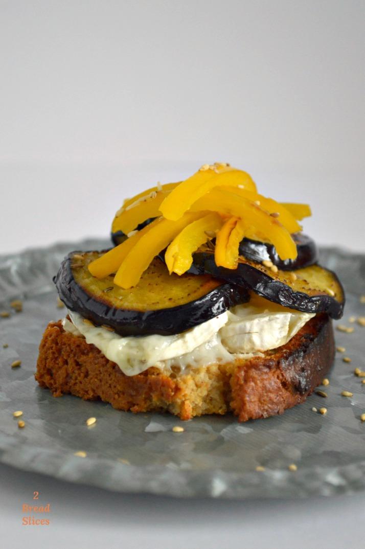 http://www.2breadslices.com/receta-pan-kefir-tahini/