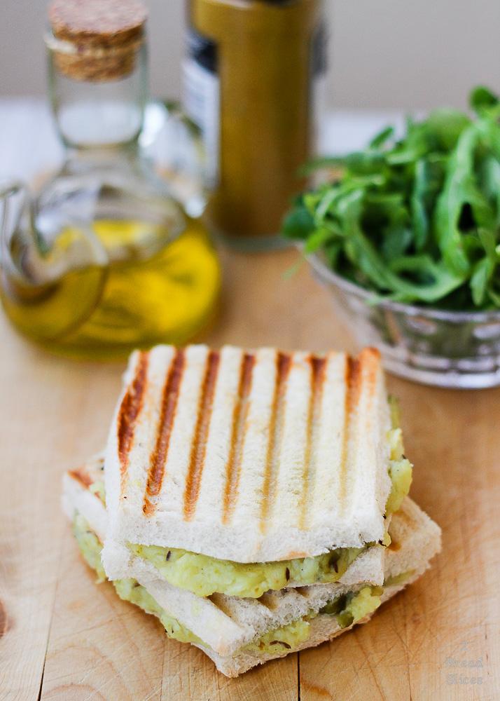 Sandwich patata y guisantes1