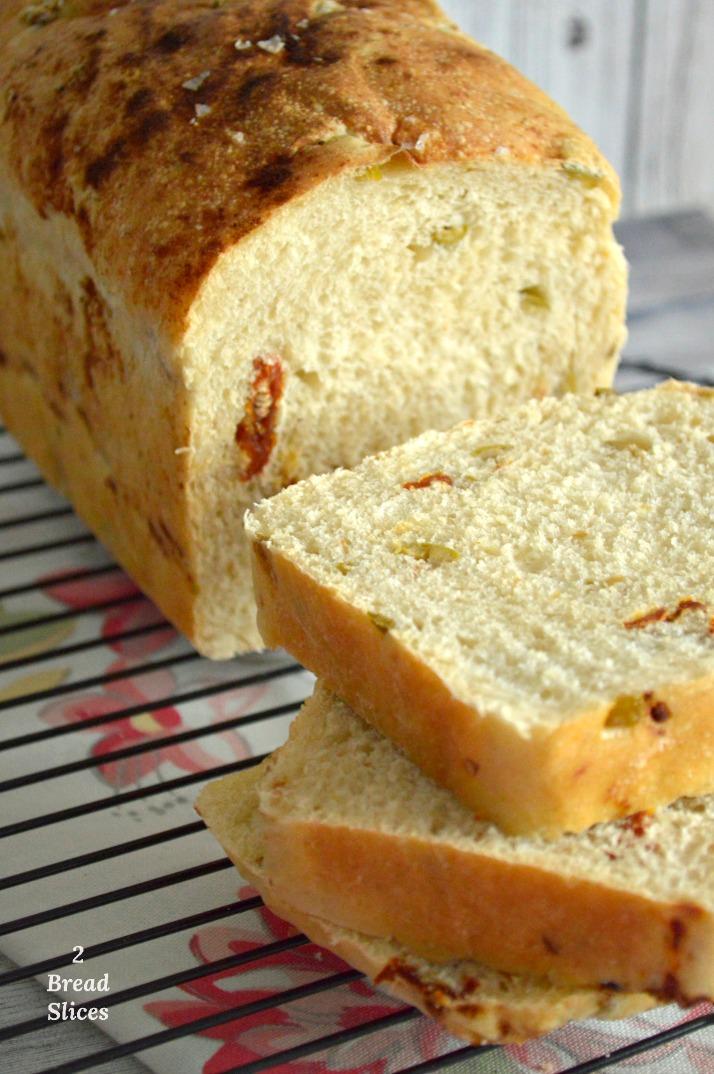 Pan de Aceitunas Verdes