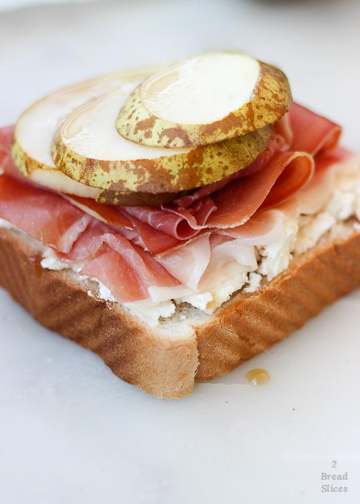 sandwich jamón cabra pera