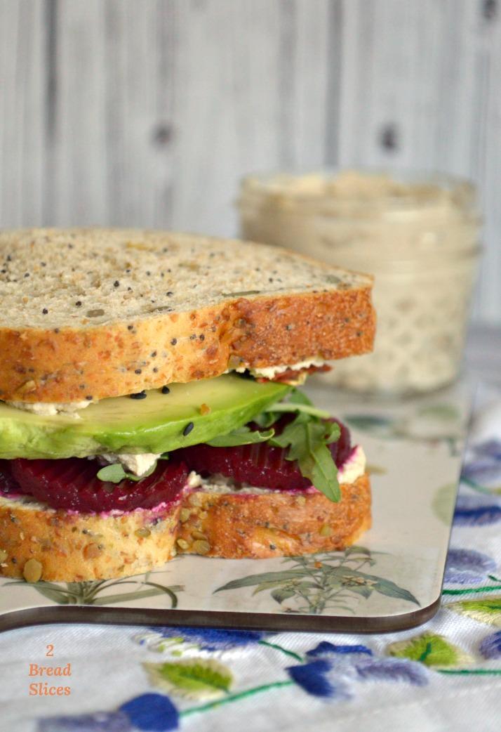 Sandwich de Remolacha y Tofu
