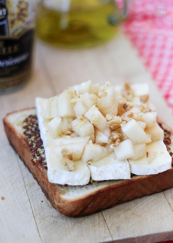 sandwich de mostaza pera y brie