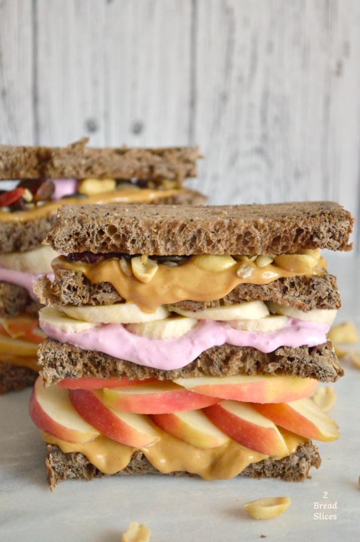 Sandwich de Manzana, Plátano y Mantequilla de Cacahuete