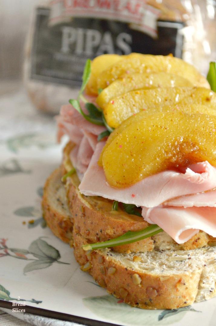 Sandwich de Jamón Cocido y Manzana