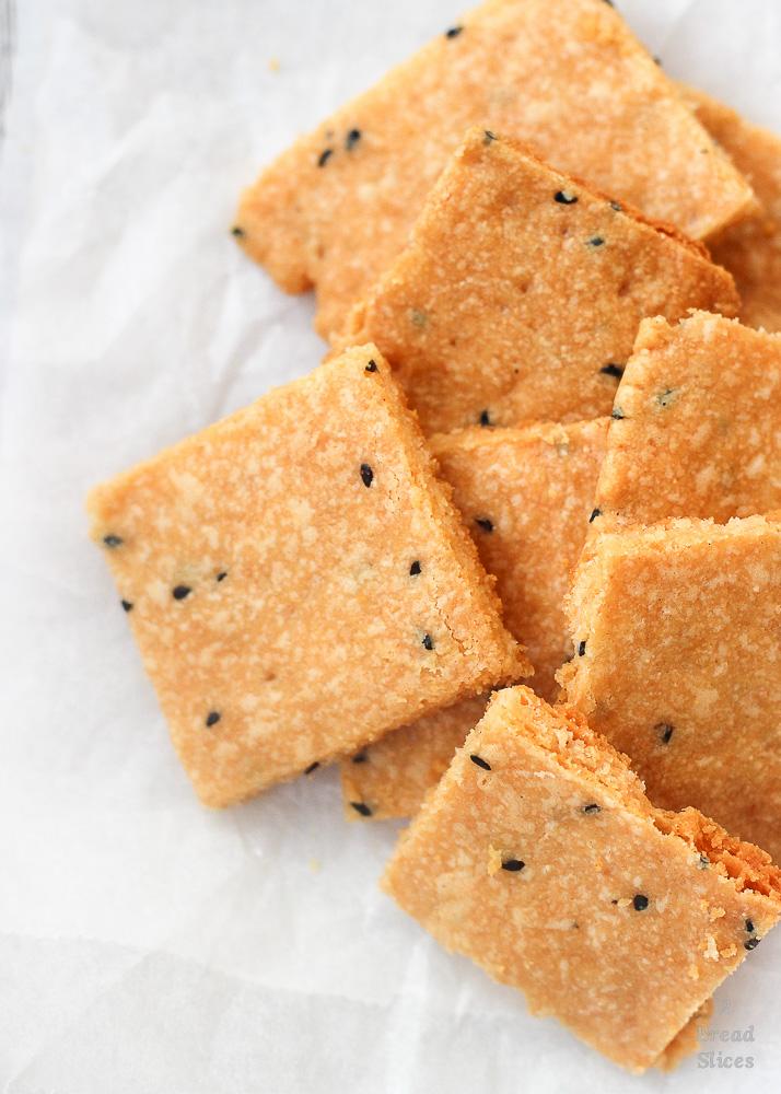 crackers queso sésamo negro
