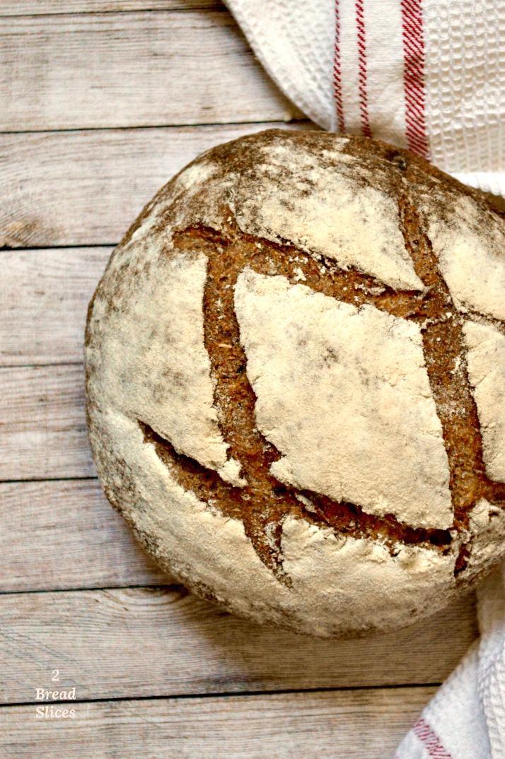 Pan de Ciruelas y Cardamomo
