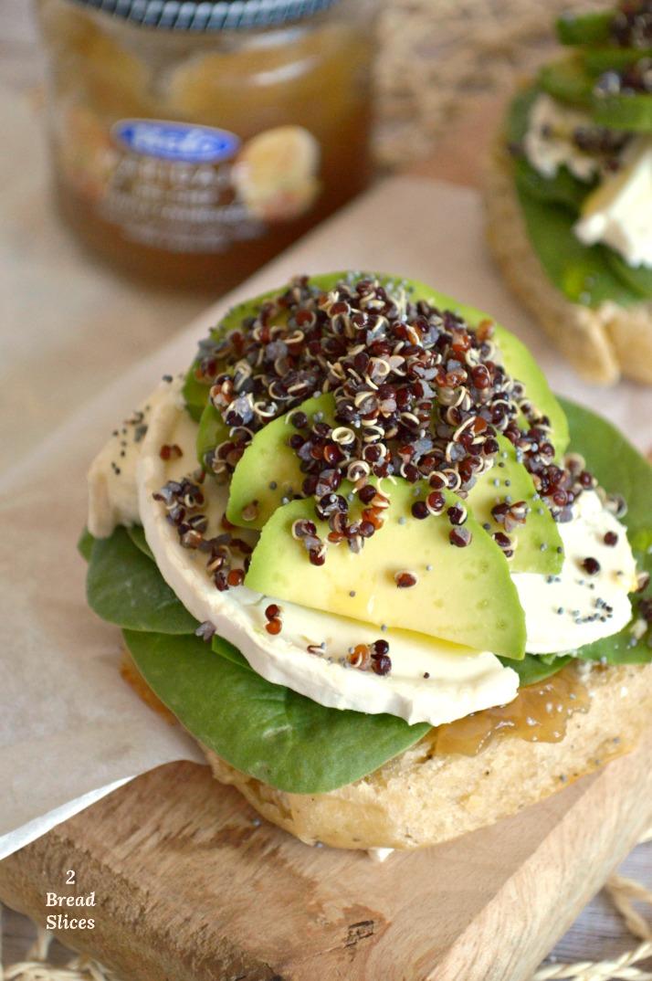 Sandwich de Aguacate y Quinoa Negra