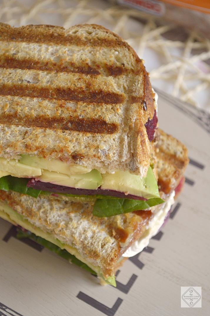 Sandwich de Remolacha y Queso de Cabra