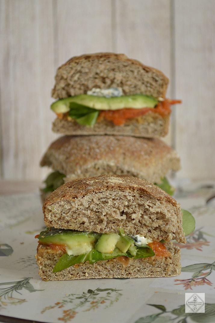 Sandwich de Aguacate y Queso Saint Agur