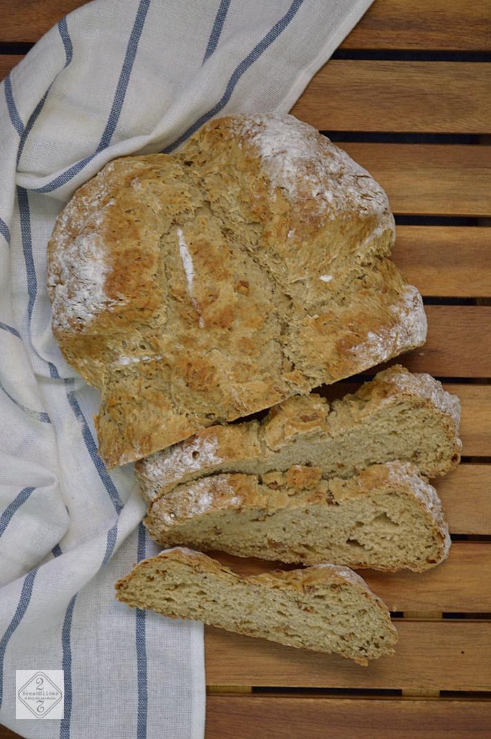 Pan de Soda con Cebolla y Balsámico