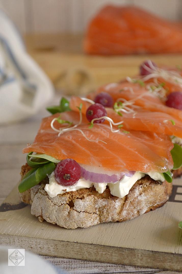 Sandwich de Salmón Marinado