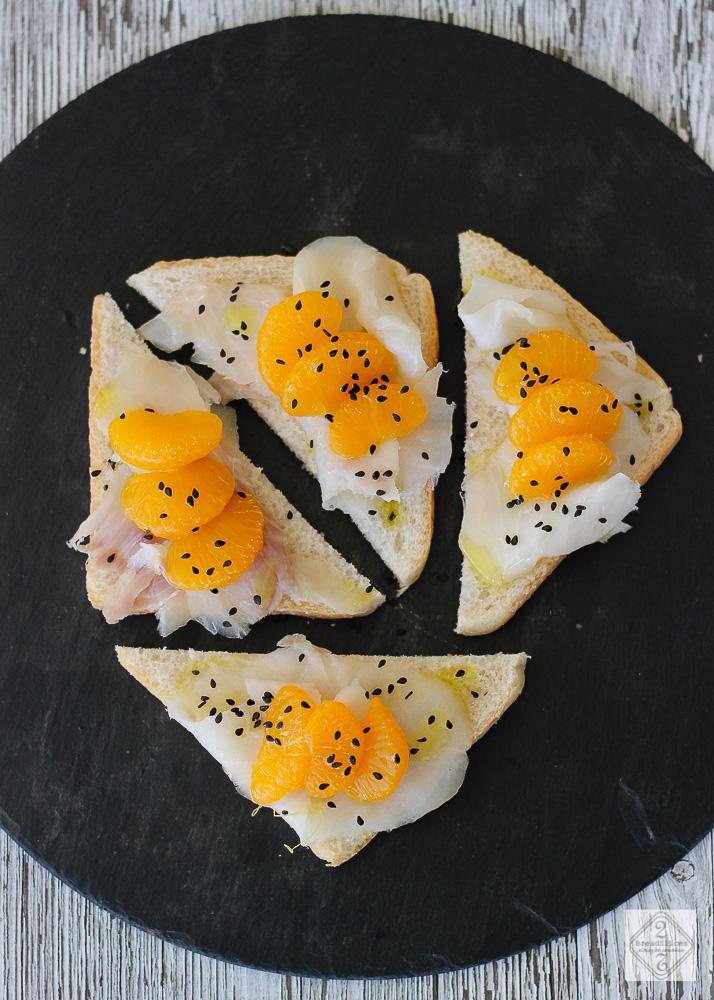 Sandwich de bacalao y mandarina