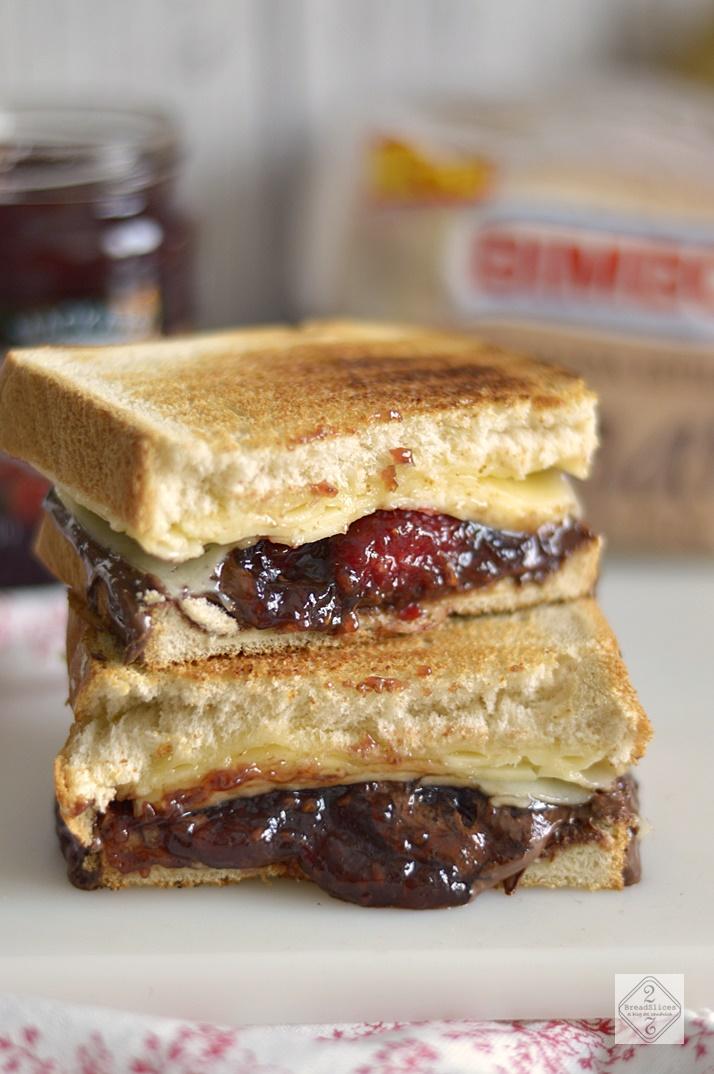 Sandwich de Mermelada de Frambuesa y Nutella