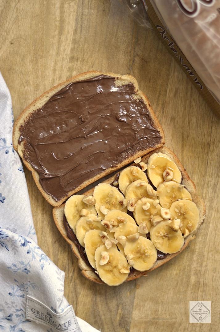 Sandwich de Plátano, Nutella y Avellanas