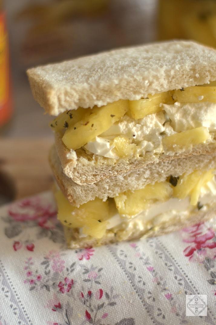 Sandwich de Queso Fresco de Cabra y Piña