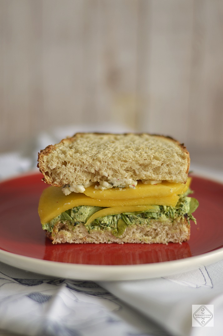 Sandwich de Mango, Rúcula y Roquefort