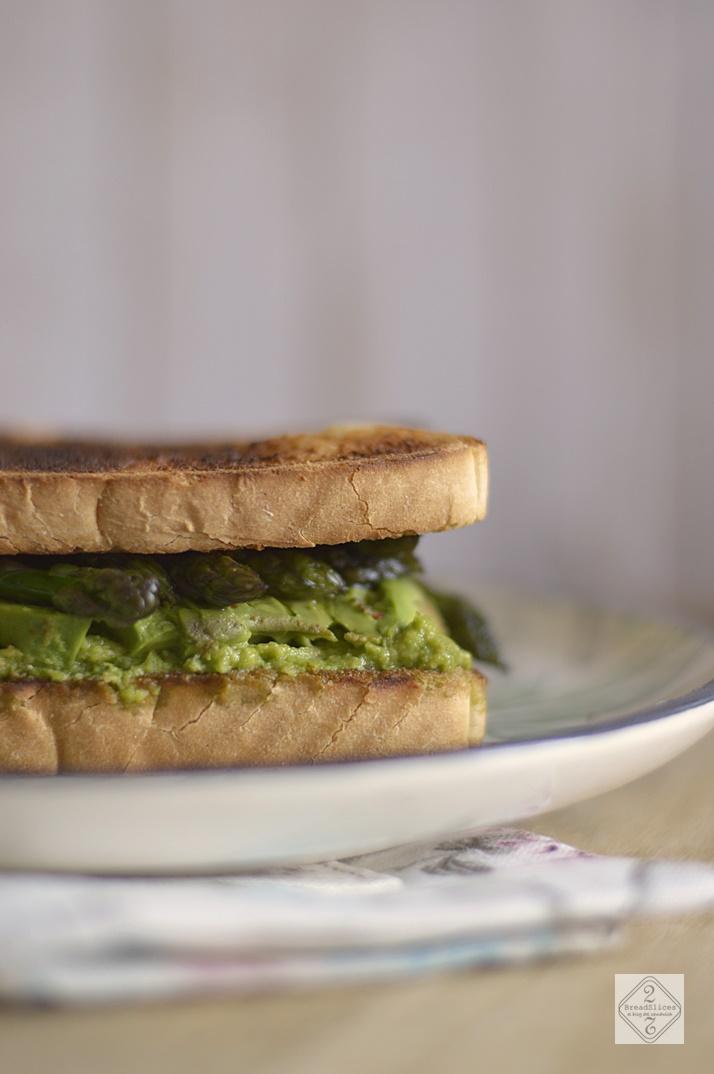 Sandwich de Aguacate y Espárragos Trigueros