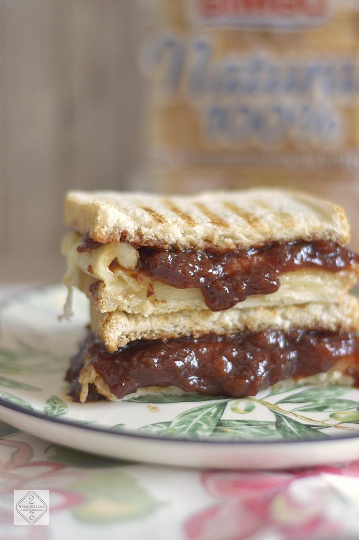 Sandwich de Queso y Chutney de Ciruela